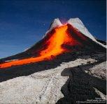 Почему извергается вулкан