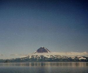 Вулкан Карымский обеспокоил камчатское население